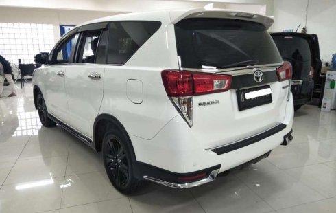 Jawa Timur, jual mobil Toyota Venturer 2017 dengan harga terjangkau
