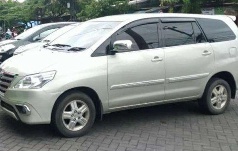 Mobil Toyota Kijang Innova 2004 2.0 G dijual, Jawa Tengah