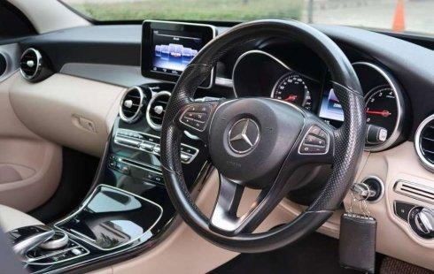 Mobil Mercedes-Benz C-Class 2014 C200 terbaik di Banten