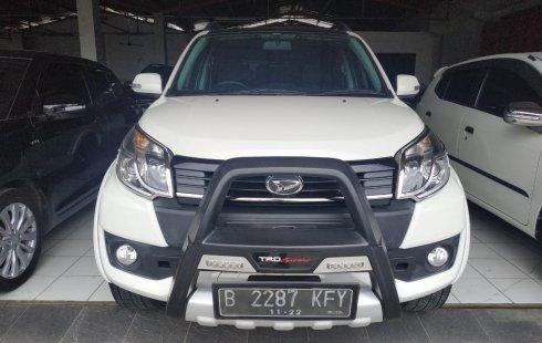Jual Mobil Daihatsu Terios R CUSTOM 2017 Terawat di Bekasi