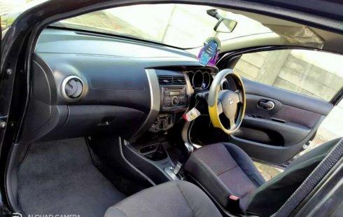 Mobil Nissan Livina 2009 X-Gear dijual, Jawa Timur