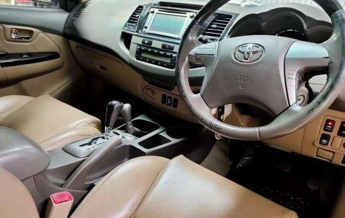 Mobil Toyota Fortuner 2012 V terbaik di Jawa Barat
