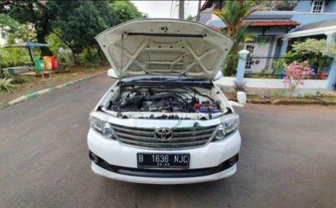 Jual mobil Toyota Fortuner V 4x4 Bensin 2013, DKI Jakarta