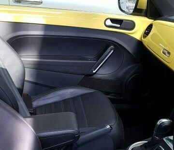 Dijual mobil Volkswagen New Beetle 1.4 turbo Uk version 2015 di Jawa Barat