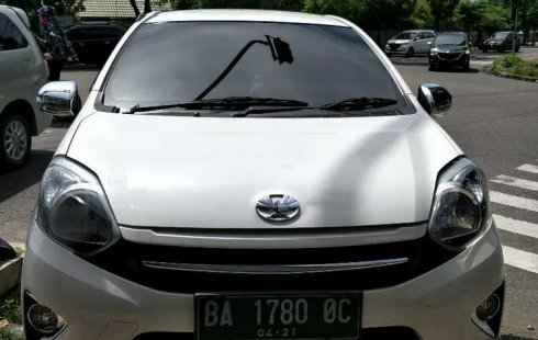 Mobil Toyota Agya 2016 TRD Sportivo terbaik di Sumatra Barat