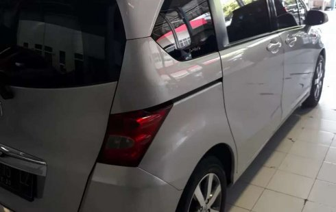 Mobil Honda Freed 2010 PSD terbaik di Jawa Tengah