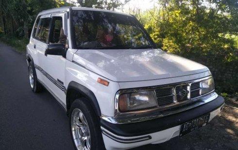 Mobil Suzuki Grand Vitara 1993 terbaik di Jawa Timur