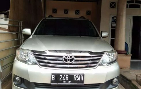 Sulawesi Selatan, jual mobil Toyota Fortuner G 2012 dengan harga terjangkau