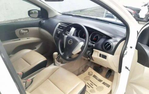 Nissan Grand Livina 2015 Jawa Timur dijual dengan harga termurah