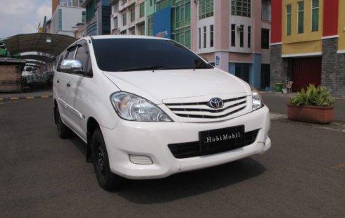 Dijual Mobil Toyota Kijang Innova 2.5 Diesel NA 2011 di DKI Jakarta