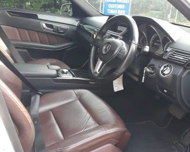 Jual Mobil Mercedes-Benz E250 CGI 2013 Terawat di Bekasi
