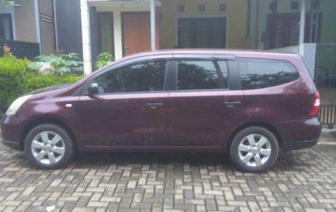 Dijual cepat mobil Nissan Grand Livina 1.5 S 2012 di Tangerang Selatan