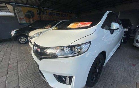 Jual mobil bekas murah Honda Jazz RS Black Top Limited Edition 2015 di Bali