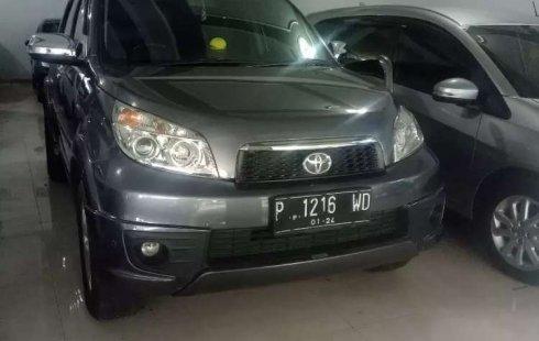 Mobil Toyota Rush 2013 S terbaik di Jawa Timur