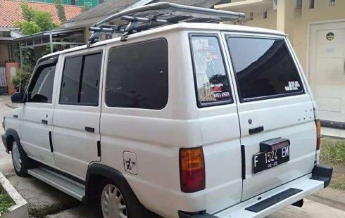 Mobil Toyota Kijang 1996 dijual, Jawa Barat
