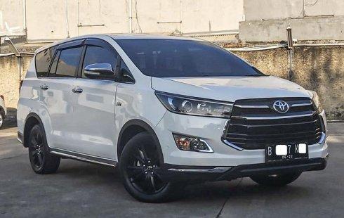 Dijual cepat Toyota Kijang Innova Q 2017 di Depok