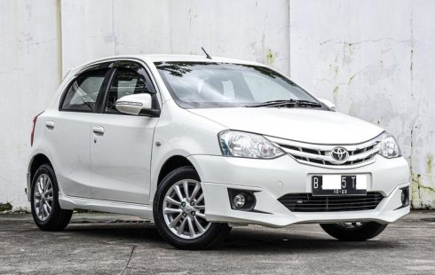 Jual mobil bekas Toyota Etios Valco G 2014 di Depok