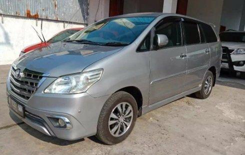 Jual Mobil Bekas Toyota Kijang Innova 2.0 V 2015 di Bekasi