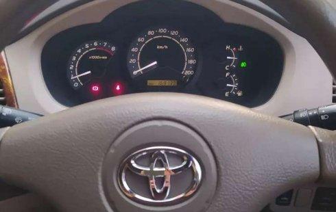 Jawa Barat, Toyota Kijang Innova 2.0 G 2005 kondisi terawat