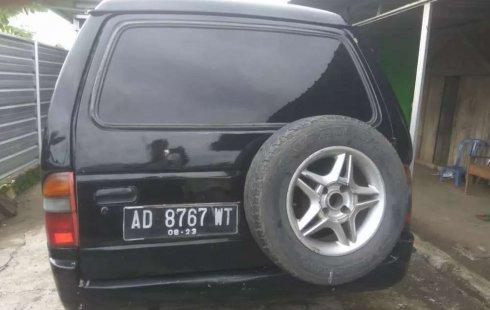 Mobil Isuzu Panther 1993 terbaik di Jawa Tengah