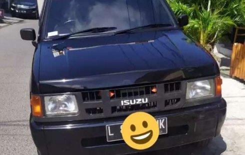 Mobil Isuzu Panther 2005 Box terbaik di Jawa Timur