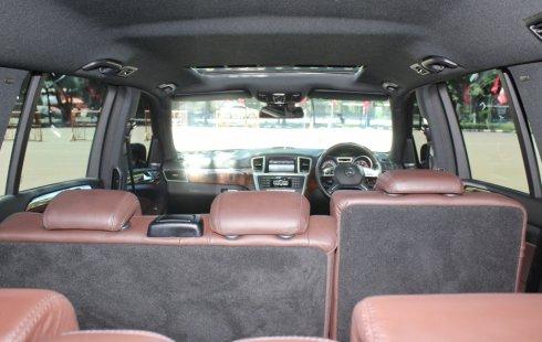 Dijual cepat mobil Mercedes-Benz GL 400 A/T Hitam 2014, DKI Jakarta