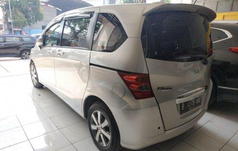 Dijual cepat mobil Honda Freed PSD 2012 Bekasi