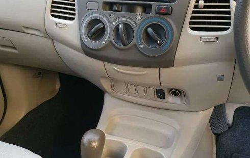 Jawa Timur, jual mobil Toyota Kijang Innova 2.0 G 2011 dengan harga terjangkau