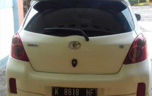 Mobil Toyota Yaris 2013 E terbaik di Jawa Tengah