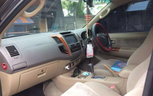 Mobil Toyota Fortuner 2010 G dijual, Jawa Tengah