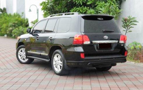 Jual Mobil Bekas Toyota Land Cruiser 4.5 V8 Diesel 2011 di Jawa Timur