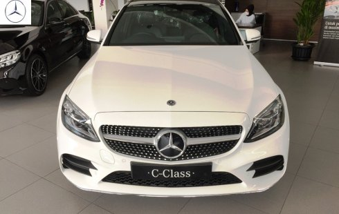 Promo Terbaru Mercedes-Benz C300 AMG 2020 Putih Ready Stock