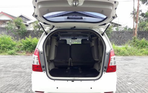 Jual murah Toyota Kijang Innova E 2014 di DIY Yogyakarta