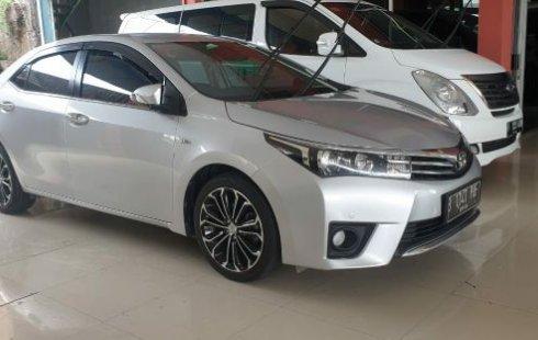 Jua Mobil Toyota Corolla Altis V 2014 Terawat di Bekasi
