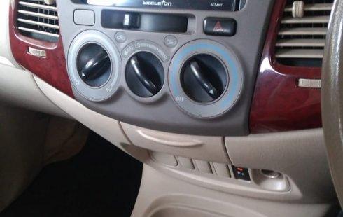 Dijual Cepat Toyota Kijang Innova 2.0 G 2004 Asli AB di DIY Yogyakarta