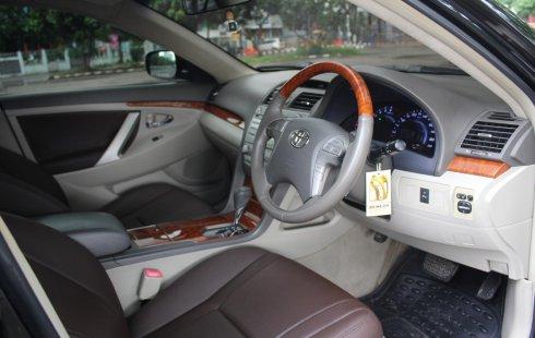 Dijual cepat mobil Toyota Camry V AT 2011 Hitam, DKI Jakarta