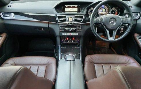 Dijual mobil Mercedes-Benz E-Class E250 2014 di Jawa Timur