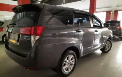 Dijual cepat mobil Toyota Kijang Innova 2.0 G AT 2017 di Bekasi