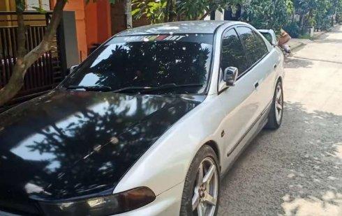 Jawa Barat, Mitsubishi Galant V6-24 2001 kondisi terawat