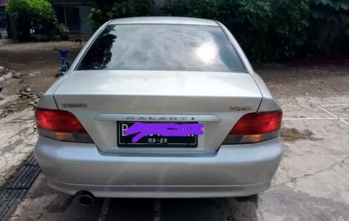 Mobil Mitsubishi Galant 2000 terbaik di Jawa Barat