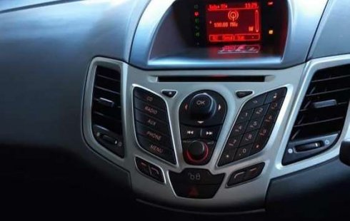 Jual Ford Fiesta Trend 2011 harga murah di Jawa Timur