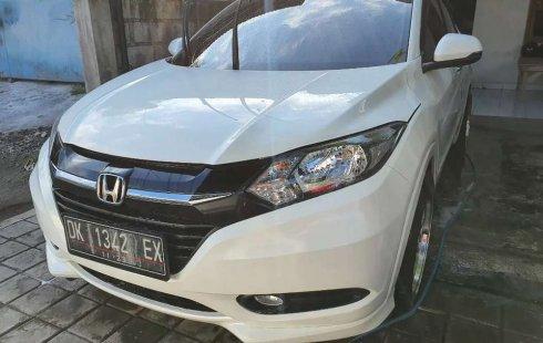 Mobil Honda HR-V 2015 E CVT terbaik di Bali