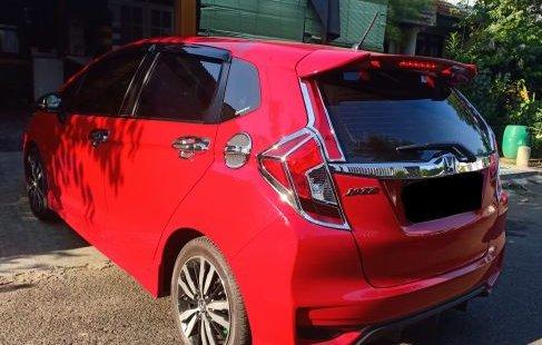 Dijual cepat mobil Honda Jazz RS 1.5 MT 2018 di Bekasi