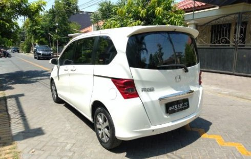 Dijual cepat mobil Honda Freed PSD 2010 di Jawa Timur