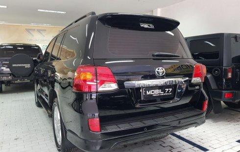 Dijual cepat mobil Toyota Land Cruiser 4.5 V8 Diesel 2011 di Jawa Timur