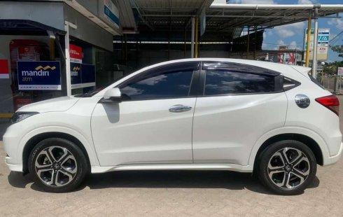 Jual mobil bekas murah Honda HR-V Prestige 2017 di Pulau Riau