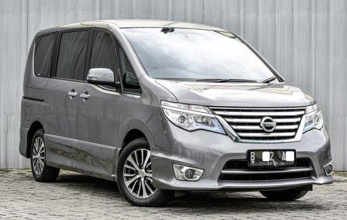 Jual Mobil Nissan Serena Highway Star 2016 di Depok