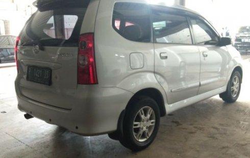Dijual Mobil Daihatsu Xenia Xi DELUXE+ 2010 di Jawa Timur
