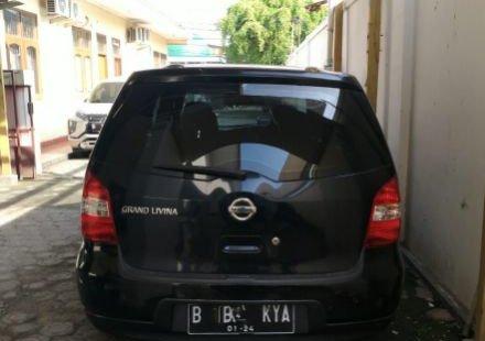 Dijual Cepat Nissan Grand Livina SV 2011 di Bekasi