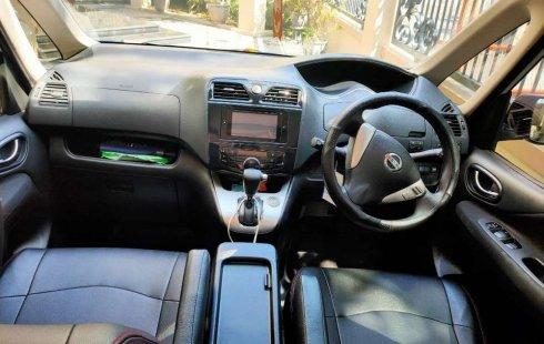 Mobil Nissan Serena 2013 X dijual, Jawa Timur